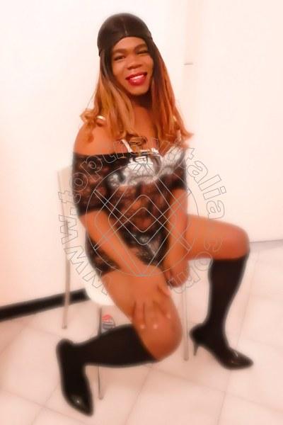 Foto 6 di Debora Look trav Ferentino