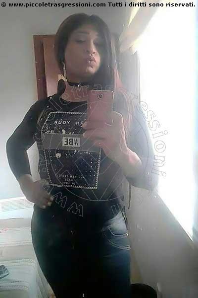 Foto selfie 1 di Lorena trav Lione